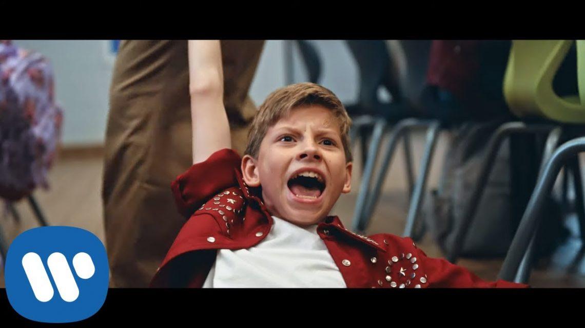 Mason Ramsey – Twang [Official Music Video]