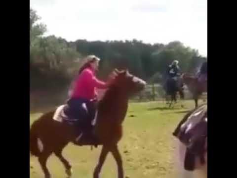 Retour de cheval échoué – Funny lady fall