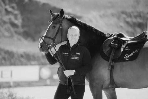 Décès du président de la Fédération des sports équestres de Saint-Pétersbourg Alexander Vorobyov