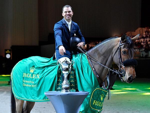 Kent Farrington nommé Cavalier de l'année, son cheval Gazelle de l'année aux États-Unis 2020