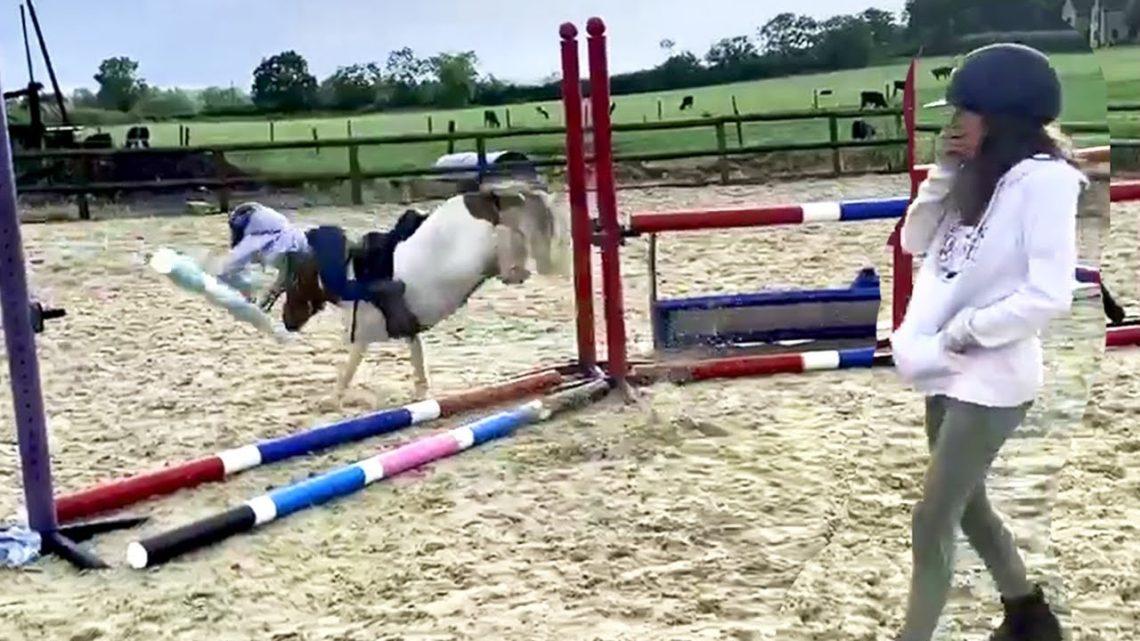 Échec de l'équitation épique à poney ||  Essayez de ne pas rire