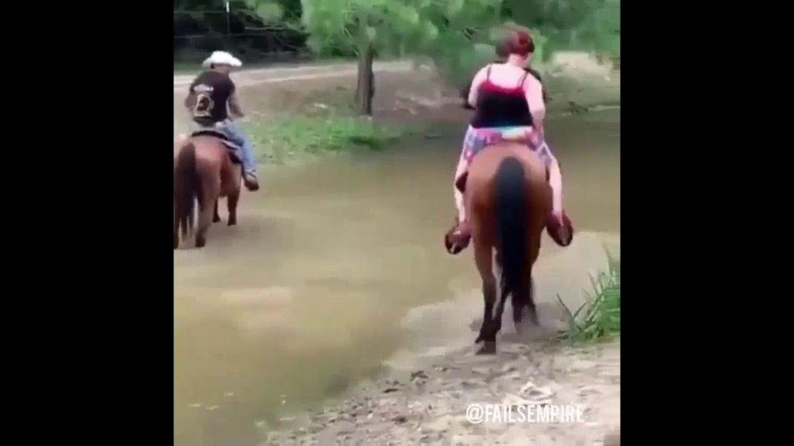 fille sexy à cheval sur le cheval, échouer l'armée 🔞🔞, 🥵🥵